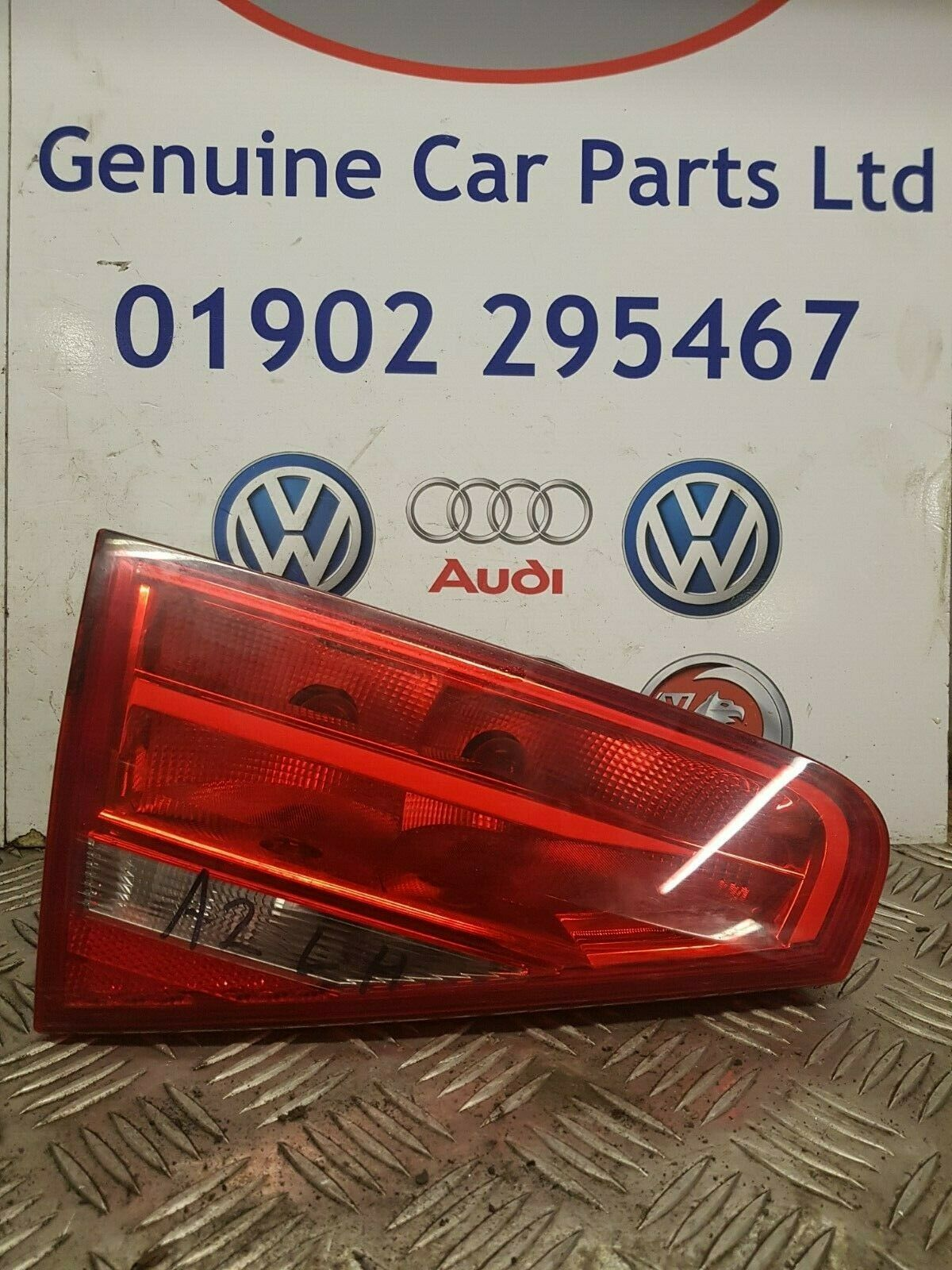 AUDI A4 2010-2014 REAR PASSENGERS SIDE TAIL/BOOT LIGHT
